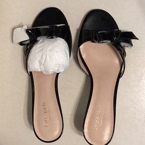 Kate Spade Black Glossy leather sandals, new
